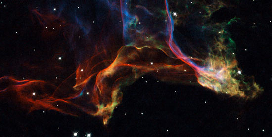 image of the Veil nebula as seen by Hubble